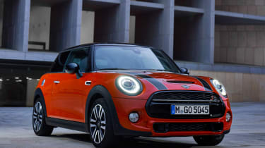 MINI Hatch - front static night