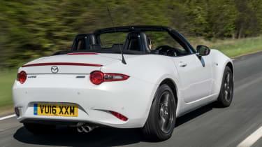 Mazda MX-5 Icon - white rear tracking
