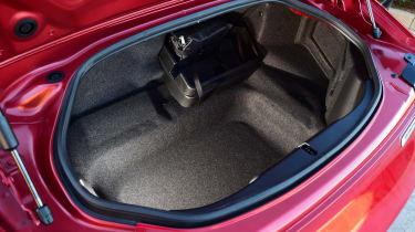 Mazda MX-5 RF 2017 - boot