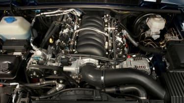 Range Rover Chieftain - engine