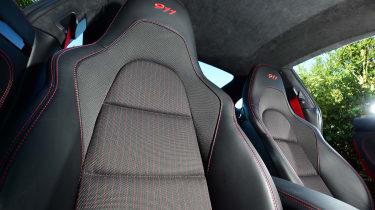 Porsche 911 Carrera T - seats