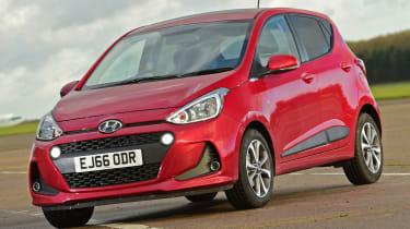 Hyundai i10 facelift 2017 - front quarter