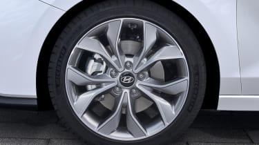 hyundai i30 fastback n line wheel