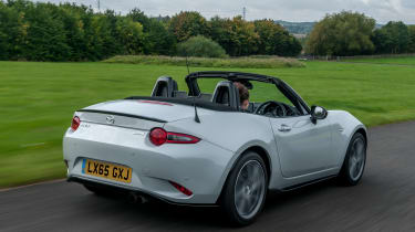 Mazda MX-5 Recaro - rear tracking