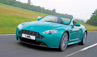 Aston Martin Vantage S Roadster frotn track