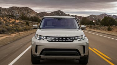 Land Rover Discovery 2017 nose