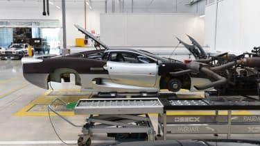 Jaguar XJ220 side profile