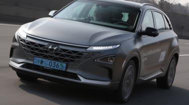 Hyundai NEXO front quarter grey