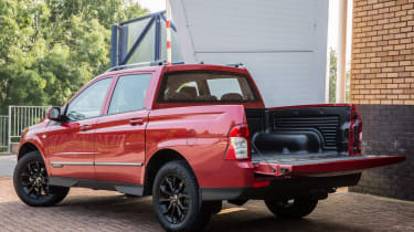 SsangYong Musso - load bed