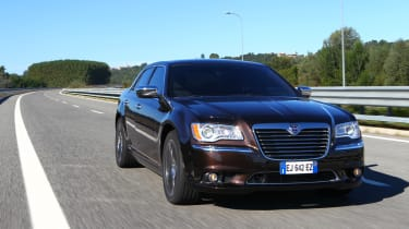 Chrysler 300C 2012 front tracking