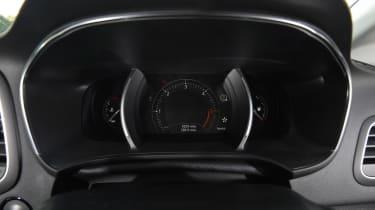 Renault Megane Sport Tourer - dials