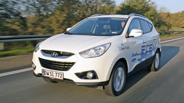 Hyundai ix35 fuel cell prototype front tracking