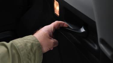 Honda CR-V - handle