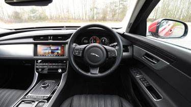 Jaguar XF 2017 - interior