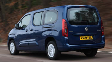 vauxhall combo life xl tracking rear