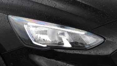 ford focus estate headlight