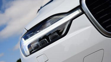 Volvo XC60 - headlight