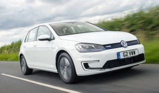 Volkswagen e-Golf tracking