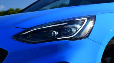 Ford Focus ST Edition - front light