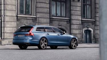 Volvo V90 R-Design - rear quarter