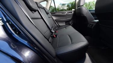 Subaru Outback - rear seats