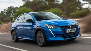 Peugeot e-208 - tracking front