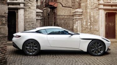 Aston Martin DB11 V8 - side