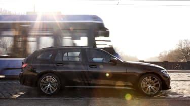 BMW 330e Touring - side