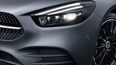 Mercedes B-Class - studio front light