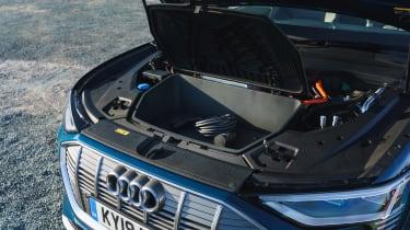 Audi e-tron - front boot