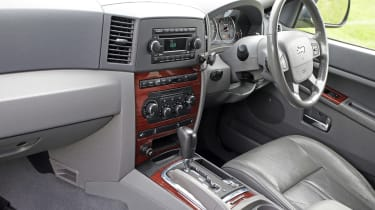 Used Jeep Grand Cherokee - cabin