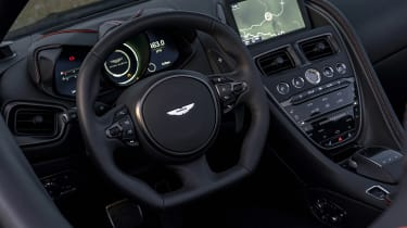 Aston Martin DBS Superleggera Volante - interior