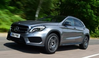 Mercedes GLA 2016 - front tracking