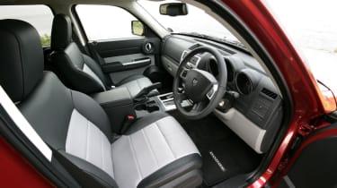 Dodge Nitro 2.8 CRD SXT interior