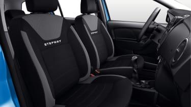 Dacia Logan MCV Stepway - front seats