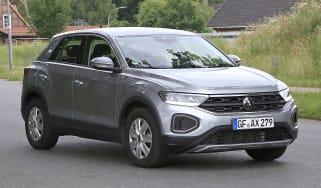 Volkswagen T-Roc - spyshot 1