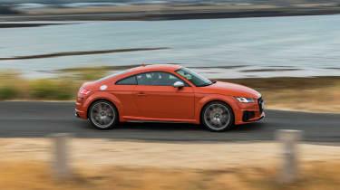 Audi TT S - profile
