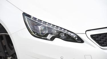 Peugeot 308 GTi - front light detail