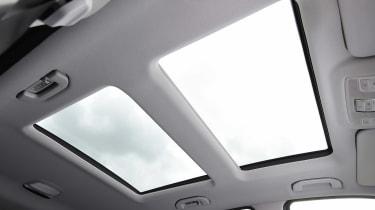 Mercedes GLE 350d - sunroof