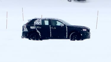 Volvo XC40 spy shot side