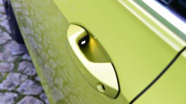 Volkswagen Golf Mk8 - door handle