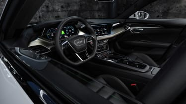 Audi e-tron GT - white dash