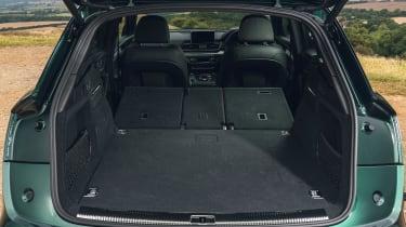 Audi Q5 55 TFSI e - boot seats down