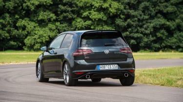 Volkswagen Golf GTI Clubsport S - rear cornering