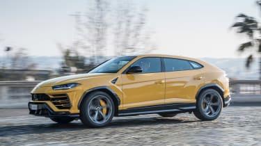 Lamborghini Urus - side