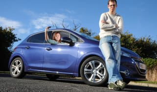 Peugeot 208 front static
