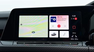 Volkswagen Golf R - infotainment