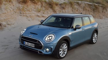 MINI Clubman ALL4 2016 - front quarter