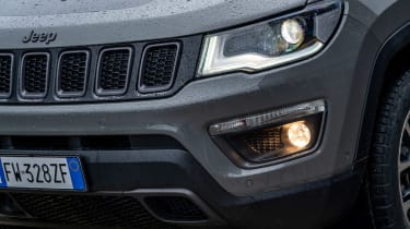 Jeep Compass Trailhawk - front detail