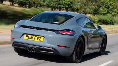 Porsche 718 Cayman - rear tracking